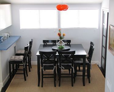 Dining Room Table Expands to Seat 8