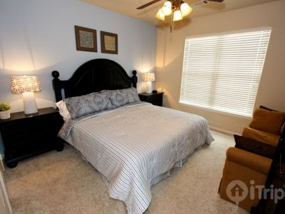 Large king master suite w/32 in TV