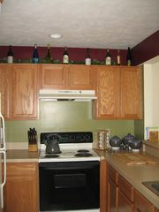 Tannersville townhome photo - Fully-stocked kitchen