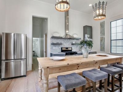 Luxury 100 Yr Old Renovated Uptown Cottage! PRIME Location 2 blocks to Magazine!