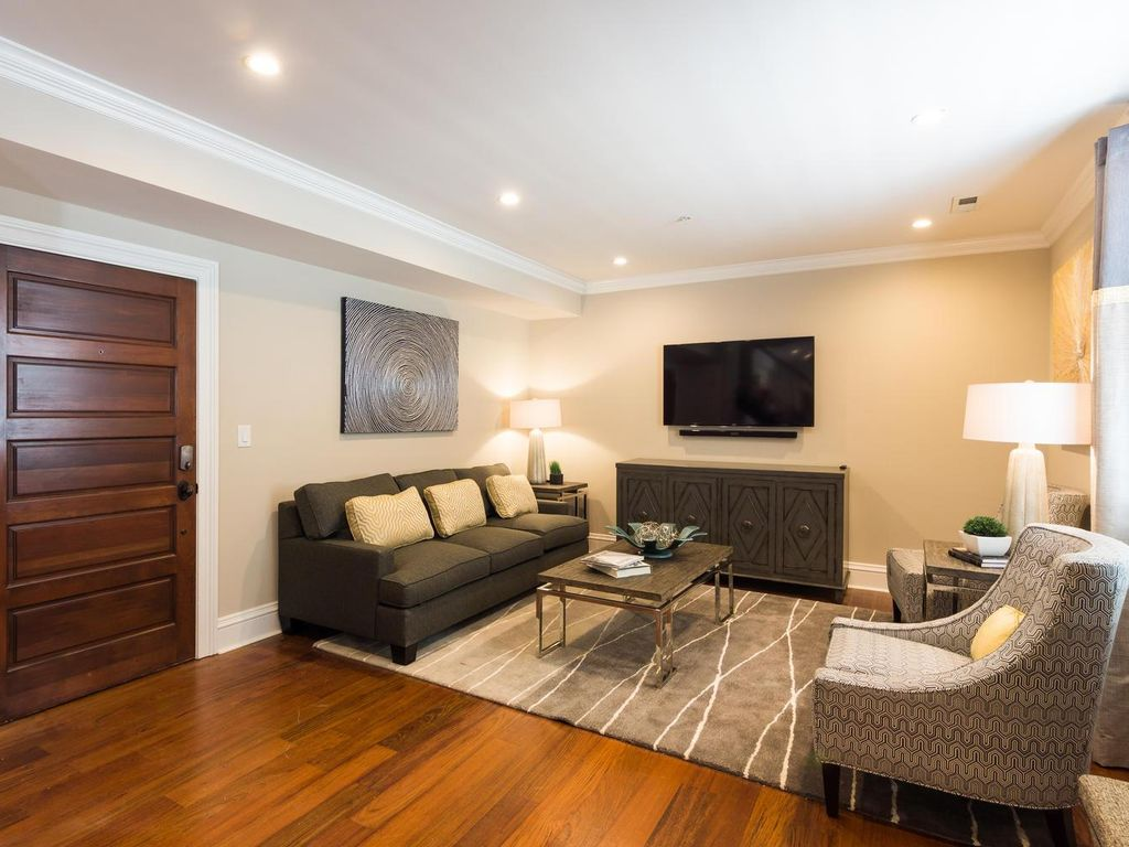 2 Bedroom 292 King St Charleston Sc Ultra Luxury 2 Bedroom Suite In The Heart Of Downtown