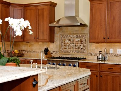 Upscale 5 BR Boston Home - July & Aug Family Vacations