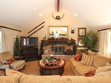 Lake Arrowhead cabin rental - Great room with 52 in flat screen TV, gas fireplace, & down sectional sofa