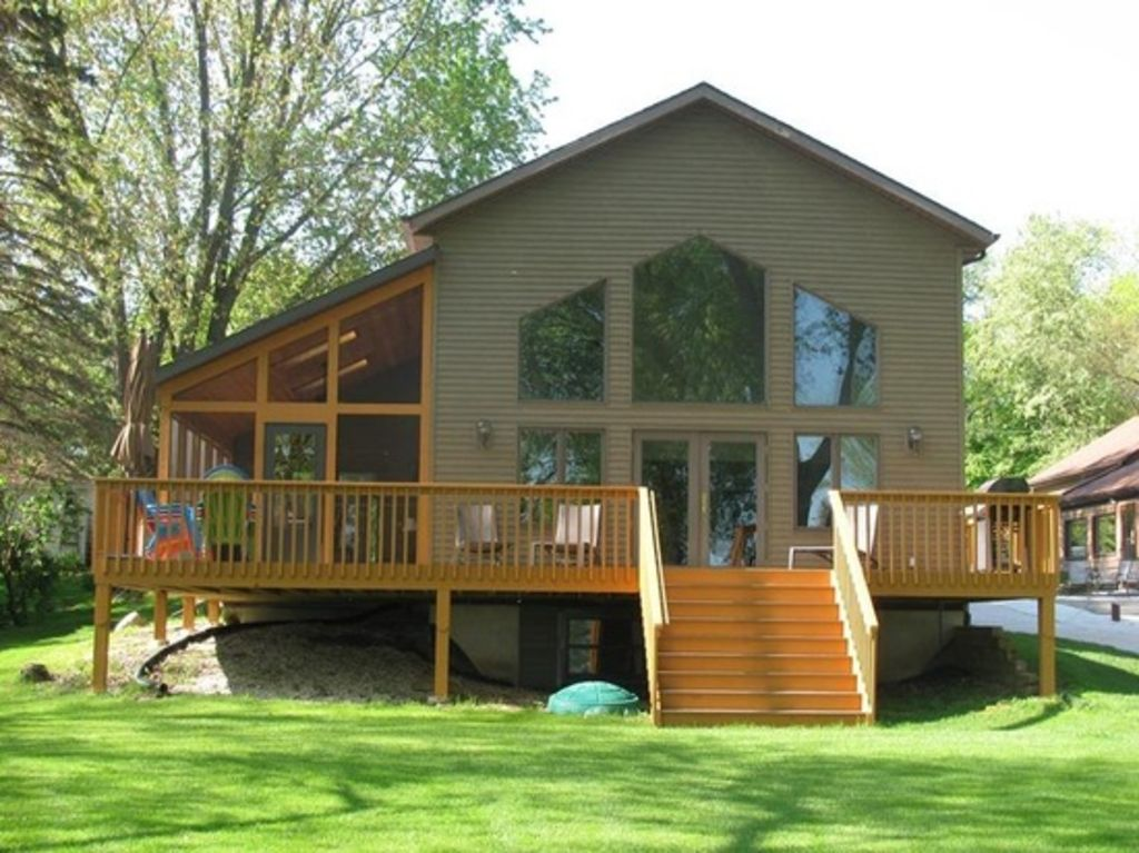 Beautiful 6 BR Waterfront Lake Home on One Acre in Southeastern WI