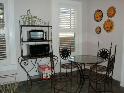 Breakfast room within kitchen
