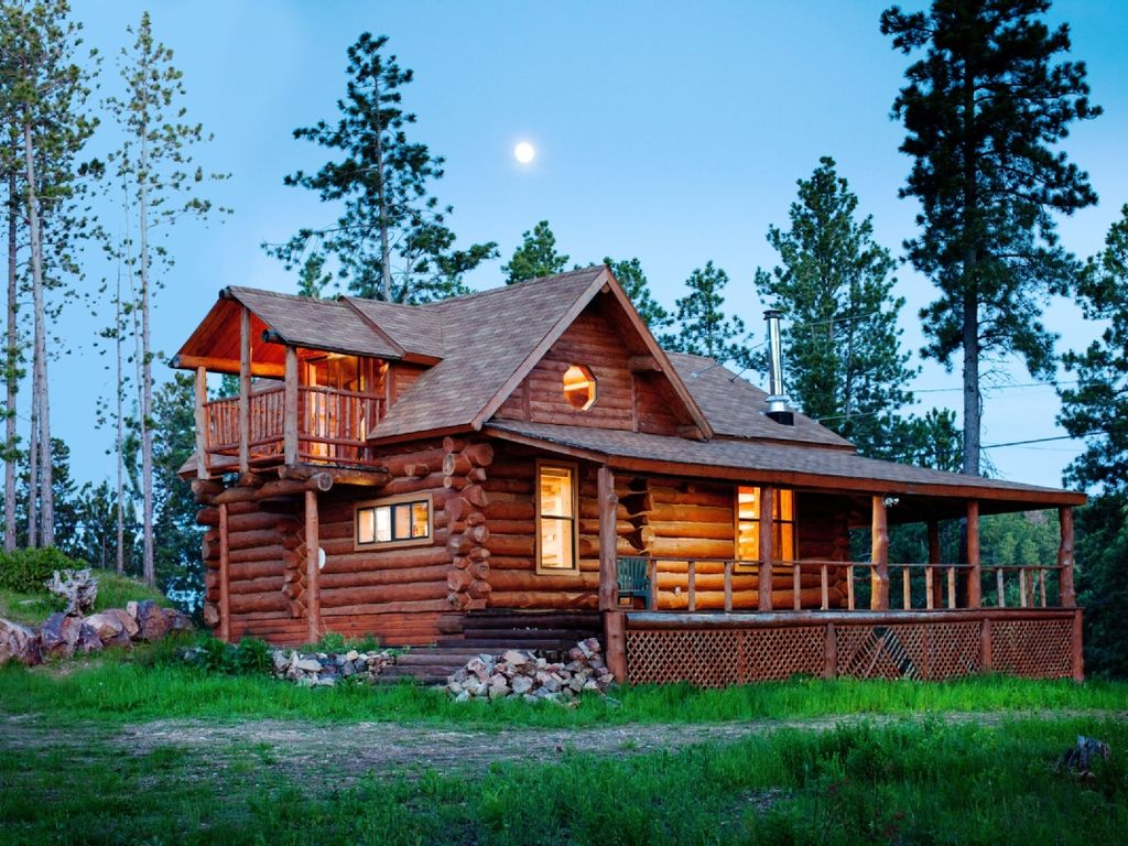 '  One Of A Kind Isolado Mão Hewn Log Cabin Vista Incrível. Full resolution  image, nominally Width 1024 Height 768 pixels, image with #1676B5.
