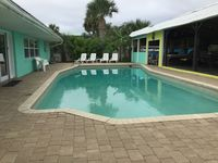 Lg Pool Home, 3 king size beds, Pool Table, Private Boat Dock, Bbq