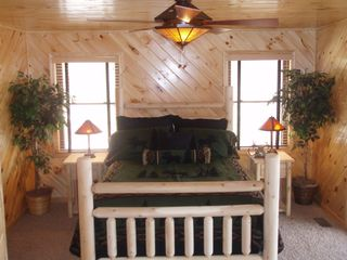 Lake Nantahala lodge photo - View of Green Moose Room on lower level