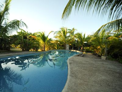 Tropical Settings Surround the extra large Swimming Pool