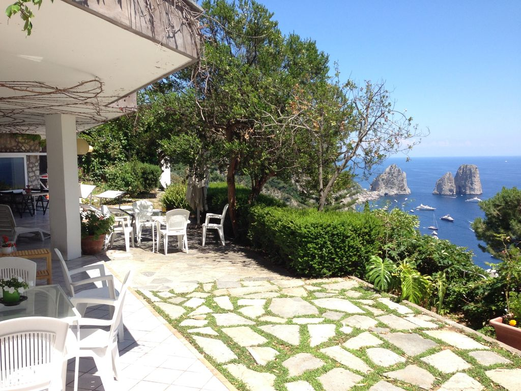Overview villa marina piccola capri homeaway capri for Villa capri