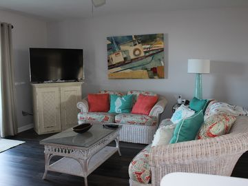 3 BR/3.5 BA, DOG FRIENDLY, GULF VIEWS FROM EVERY ROOM!