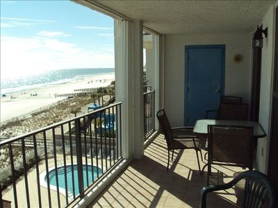 This 5th floor balcony has plenty of seating to enjoy the views of the Gulf!