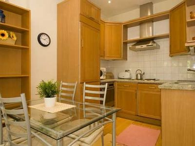 2 Bedroom Flat Near High St. Kensington