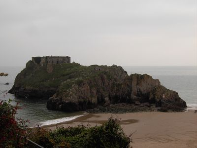 Tenby house rental - St Catherine's rock South Beach