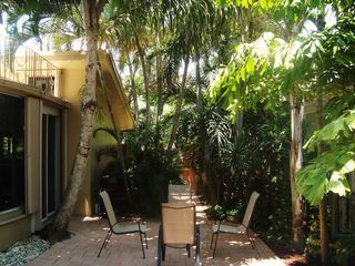 Fort Lauderdale house photo - Extra seating in the private backyard