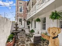 This is an absolutely beautiful place to stay when visiting New Orleans!