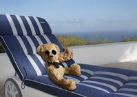 Lounging in the sun, overlooking the beatiful ocean views!!!