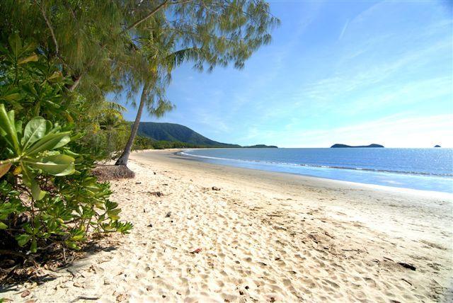Yorkeys Knob Beach, Yorkeys Knob, Queensland, Australia