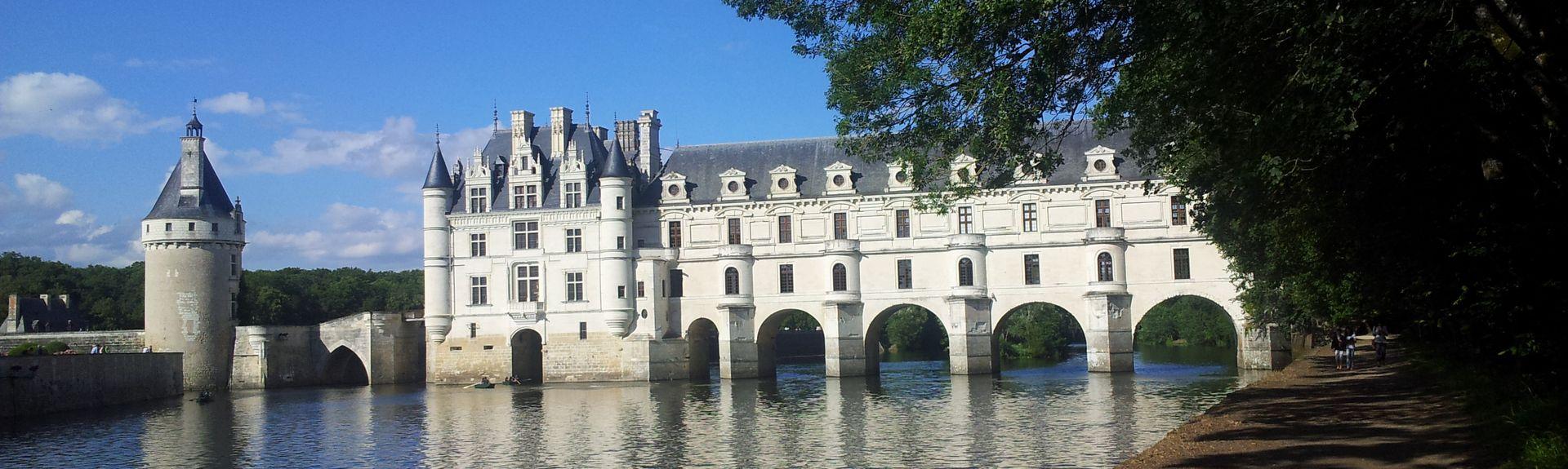 Notre-Dame-d'Oe Station, France