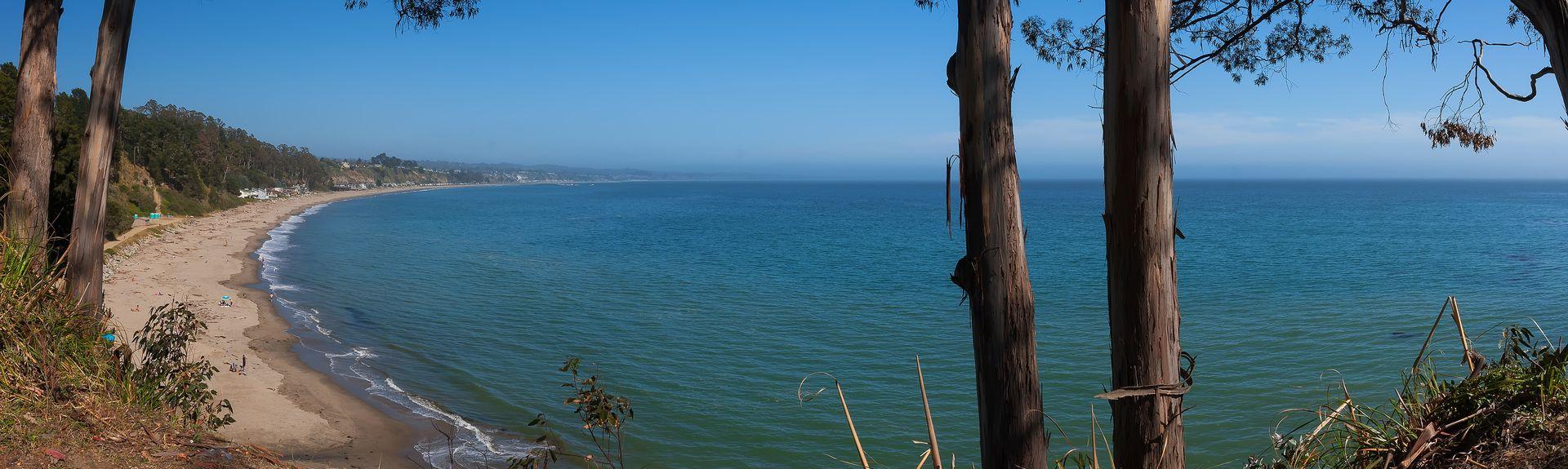 Lighthouse Point Park, Santa Cruz, CA, USA
