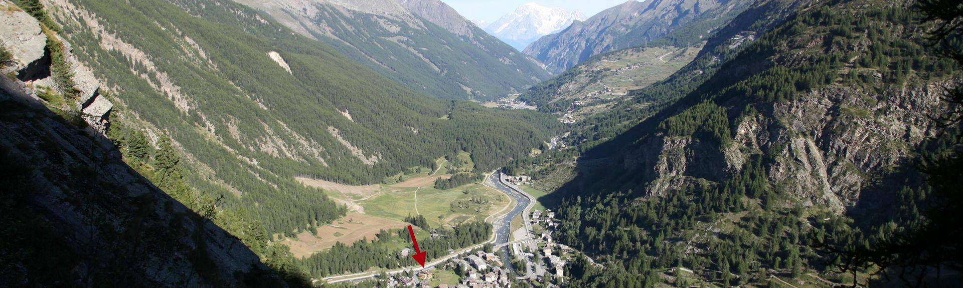 DONNAZ (Station), Donnas, Valle d'Aosta, Italy