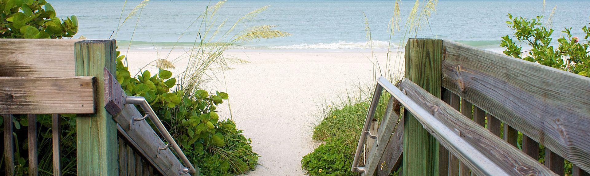 Publiczna plaża na Bonita Springs, Bonita Springs, Floryda, Stany Zjednoczone