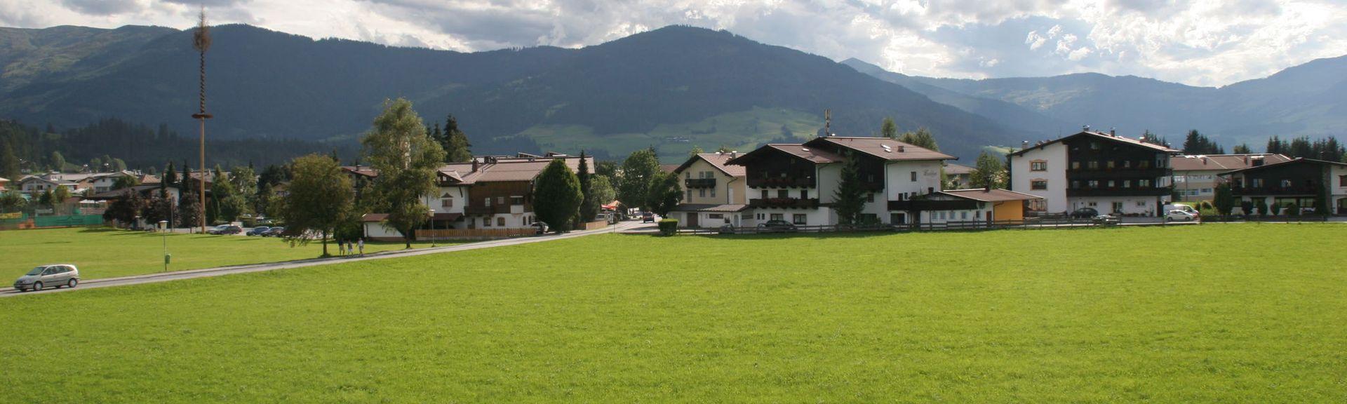 Alpeniglu Dorf, Tirol, Österreich