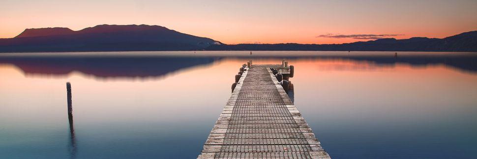 Lake Tarawera, Rotorua, Bay of Plenty, New Zealand