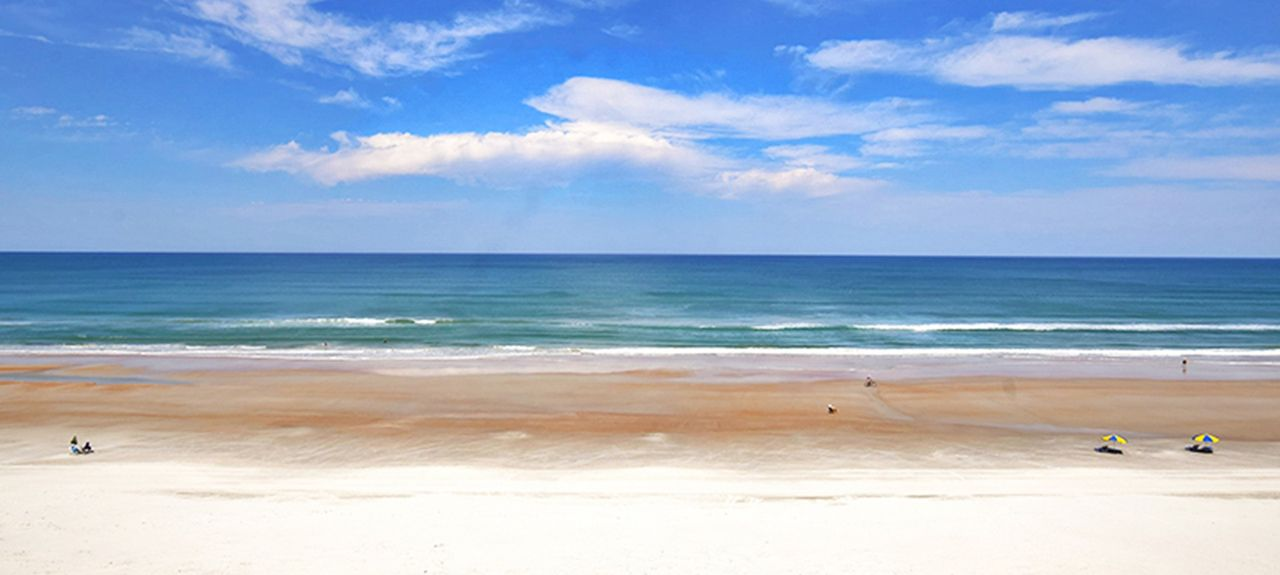 Horizons (Daytona Beach Shores, Florida, USA)
