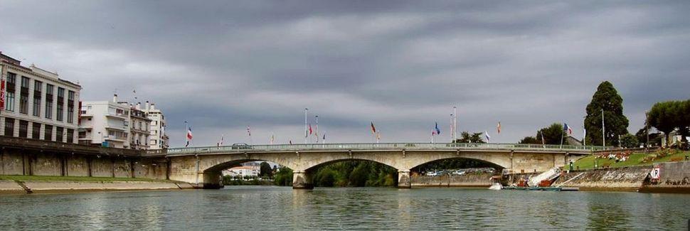 Saint-Romain-de-Benet, Nueva Aquitania, Francia