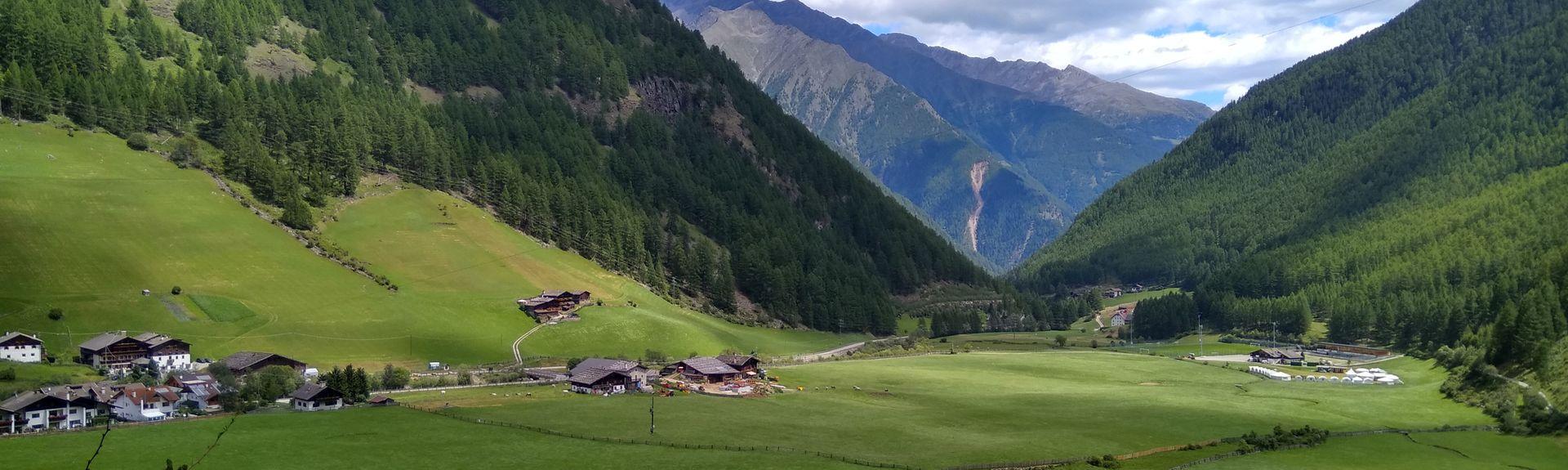 Stazione di Laces (Latsch), Laces, Trentino-Alto Adige, Italia