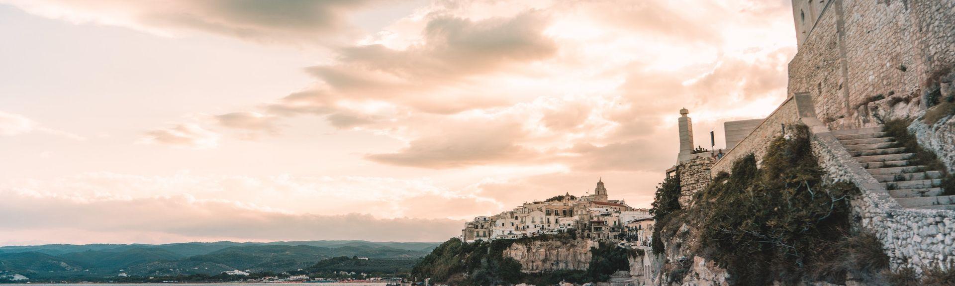 Castel del Monte, Pouilles, Italie