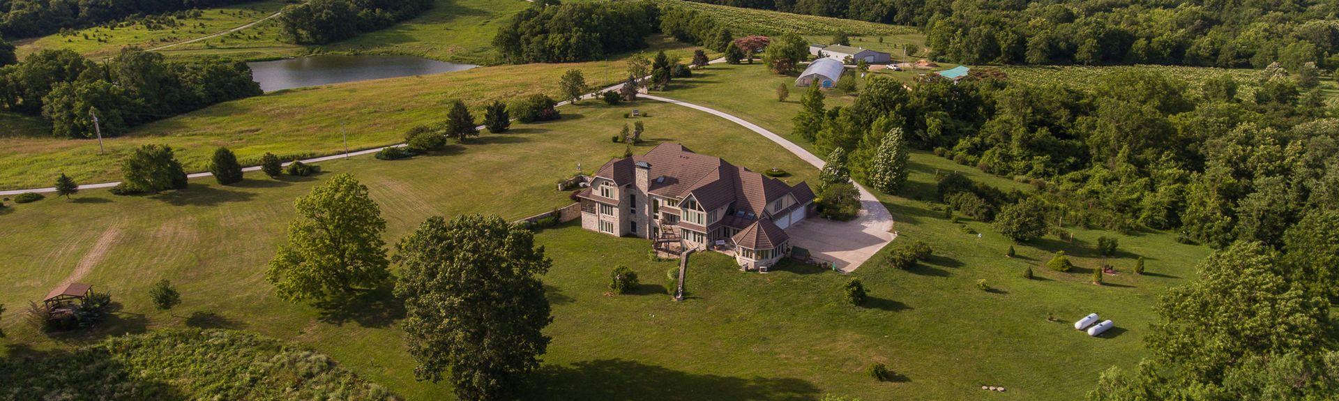 Endless Summer Winery, Hermann, Missouri, United States of America