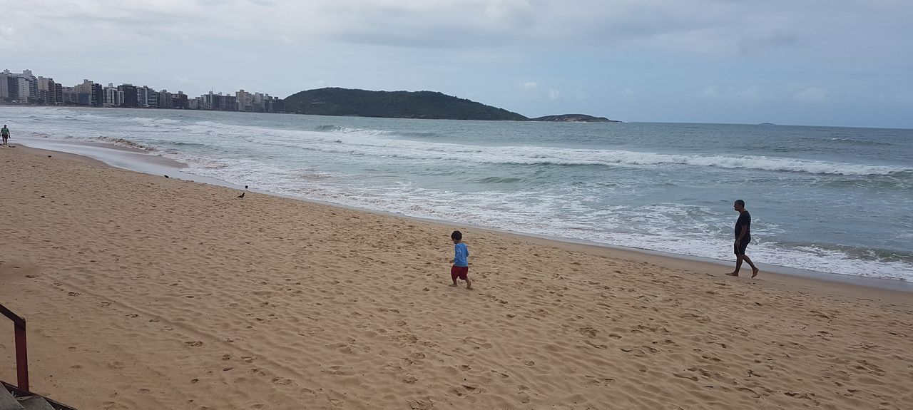 Cerca Beach, Guarapari, Brazil