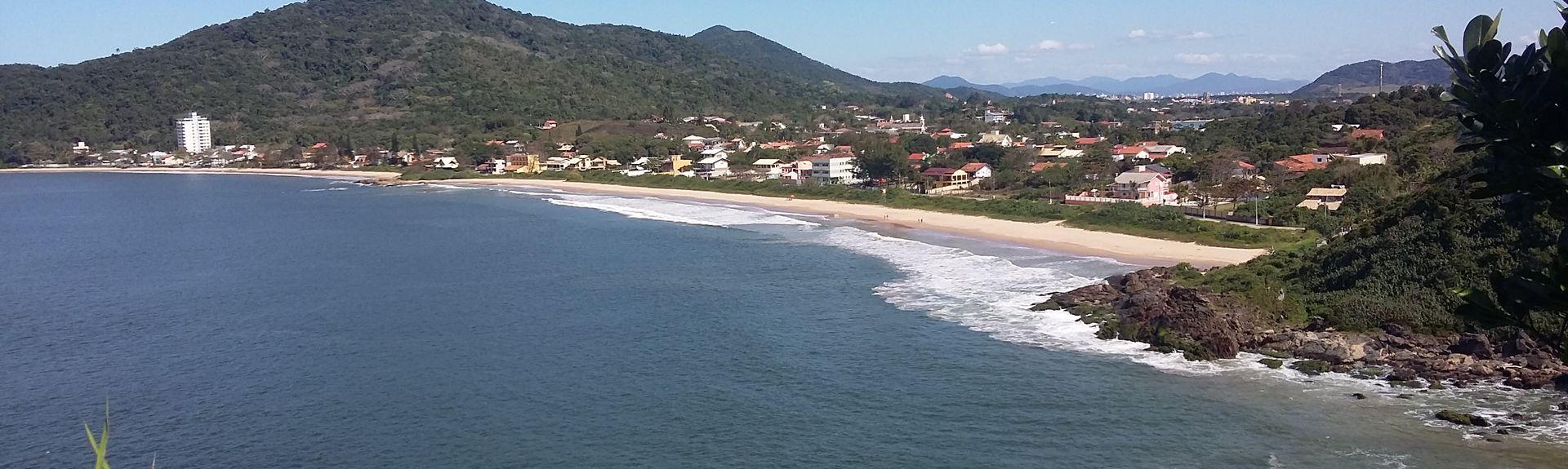 Praia de Armação do Itapocorói, Penha - SC, Brazil