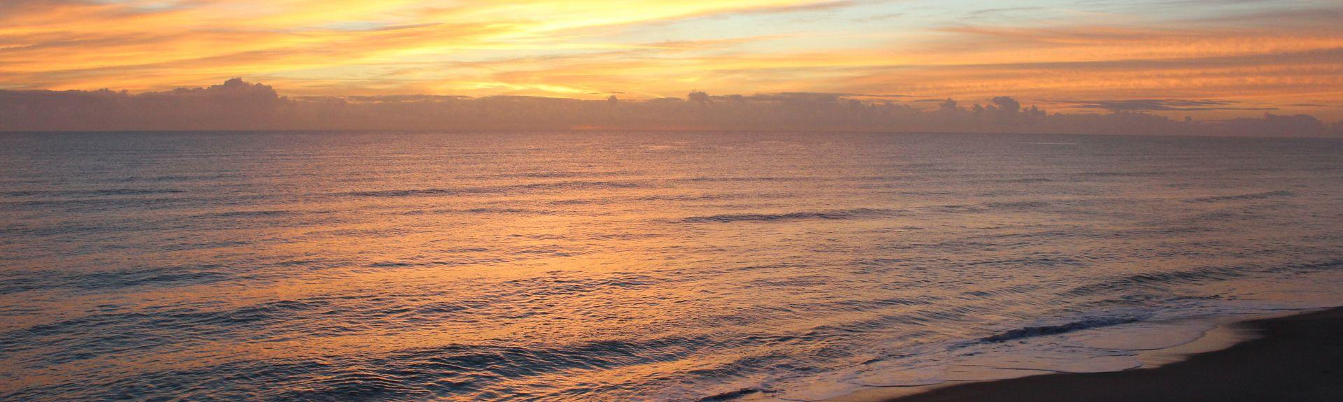 Paradise Beach Club, Satellite Beach, FL, USA