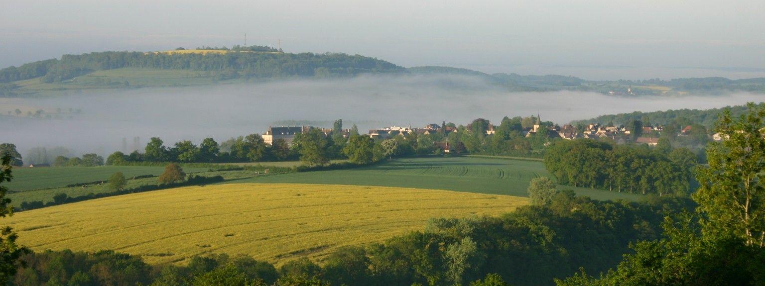 Semur-en-Auxois, Bourgogne-Franche-Comté, Frankreich