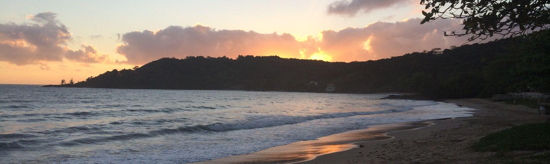Praia de Armação do Itapocorói, Penha, Santa Catarina, Brasil