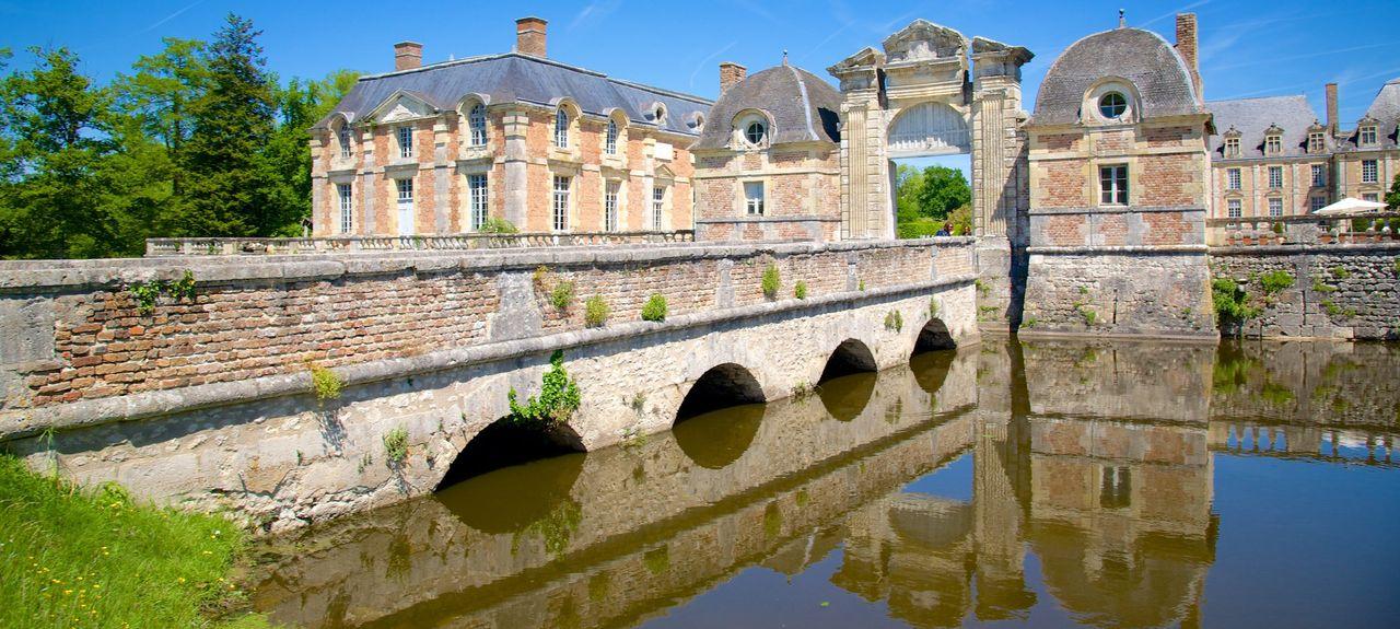 Chaumont-sur-Tharonne, France