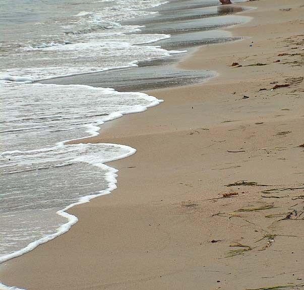 Plaża w zatoce St Georges Bay, St. Julian's, Malta