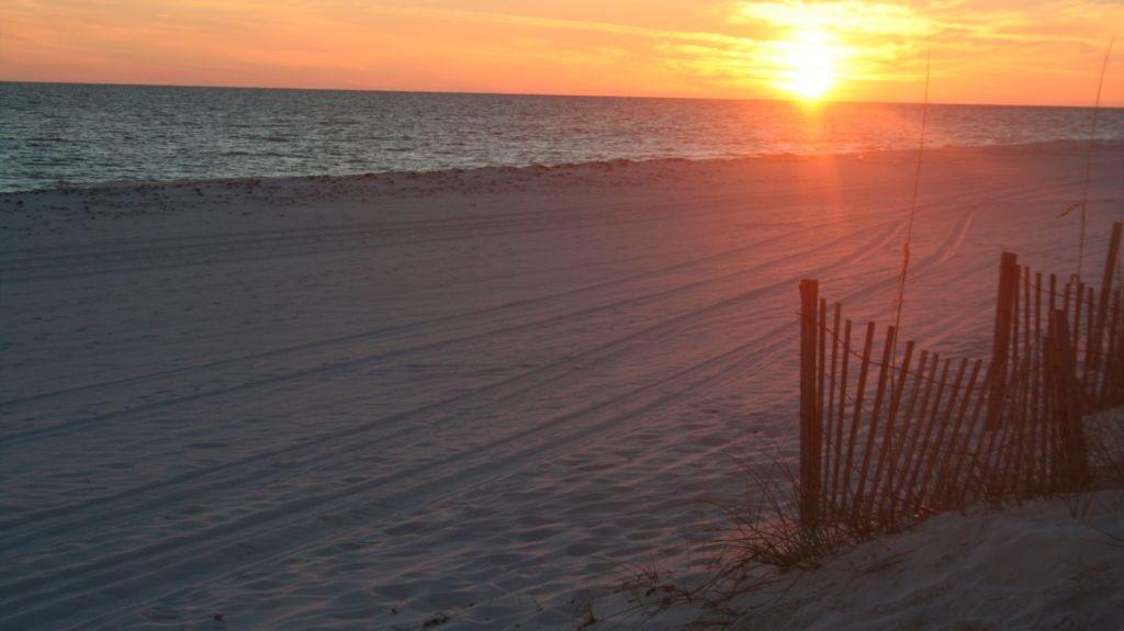 San DeLuna, Pensacola Beach, FL, USA