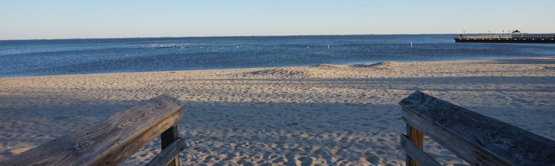 Lighthouse Beach, Bay Shore, New York, USA