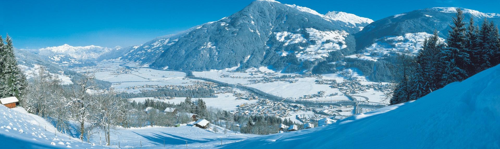 Hochfuegen 2000 Ski Lift, Fuegenberg, Austria