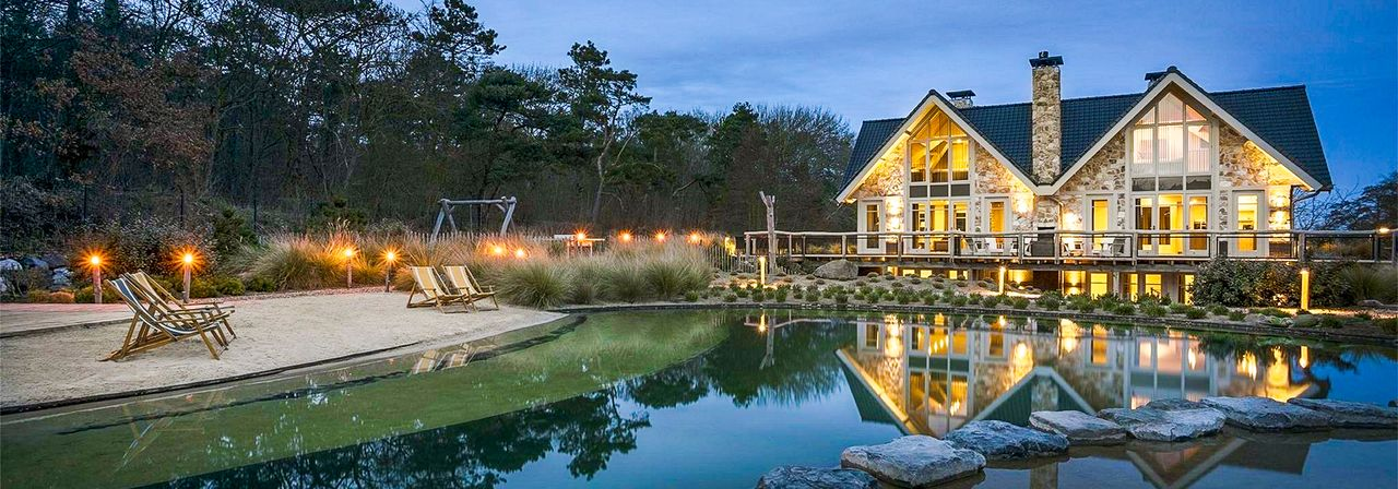 A spacious HomeAway holiday rental outdoors