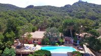 Fantastic property, location and hosts