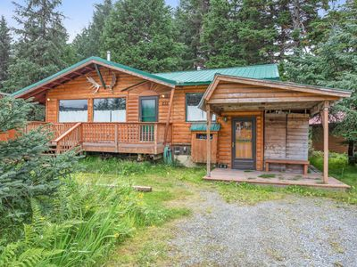 Photo for NEW LISTING! Contemporary cabin w/ private hot tub and gorgeous mountain views!