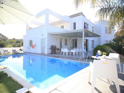 5 Bedroom Exclusive Villa in the Center of Protaras Great for Big Families