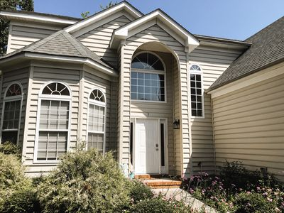 Photo for Spacious home with waterview!