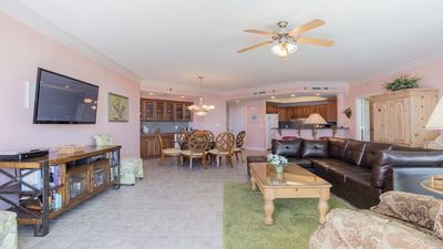 8th Floor 3BR Condo!  Pet Friendly!!! Lazy River!!
