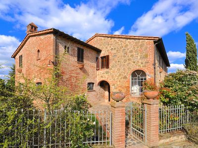 Photo for Umbrian Farmhouse Overlooking Lake Chiusi near Chianti Wine Country